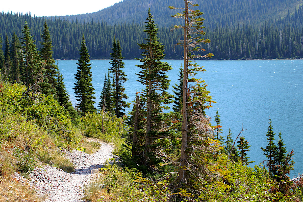 Hike towards Grinnell Lake, Glacier National Park