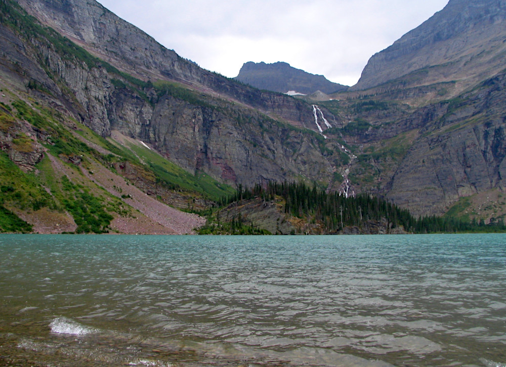Hike towards Grinnell Lake