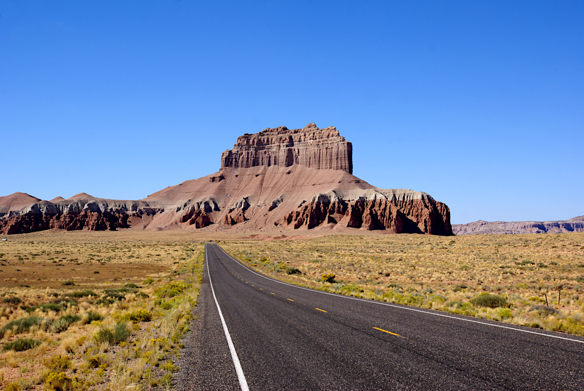 Long road to the Goblin Valley State Park