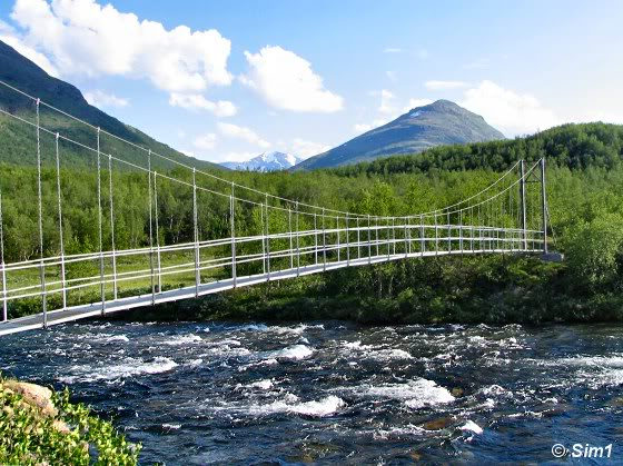 Hanging bridge at Abiskojaure