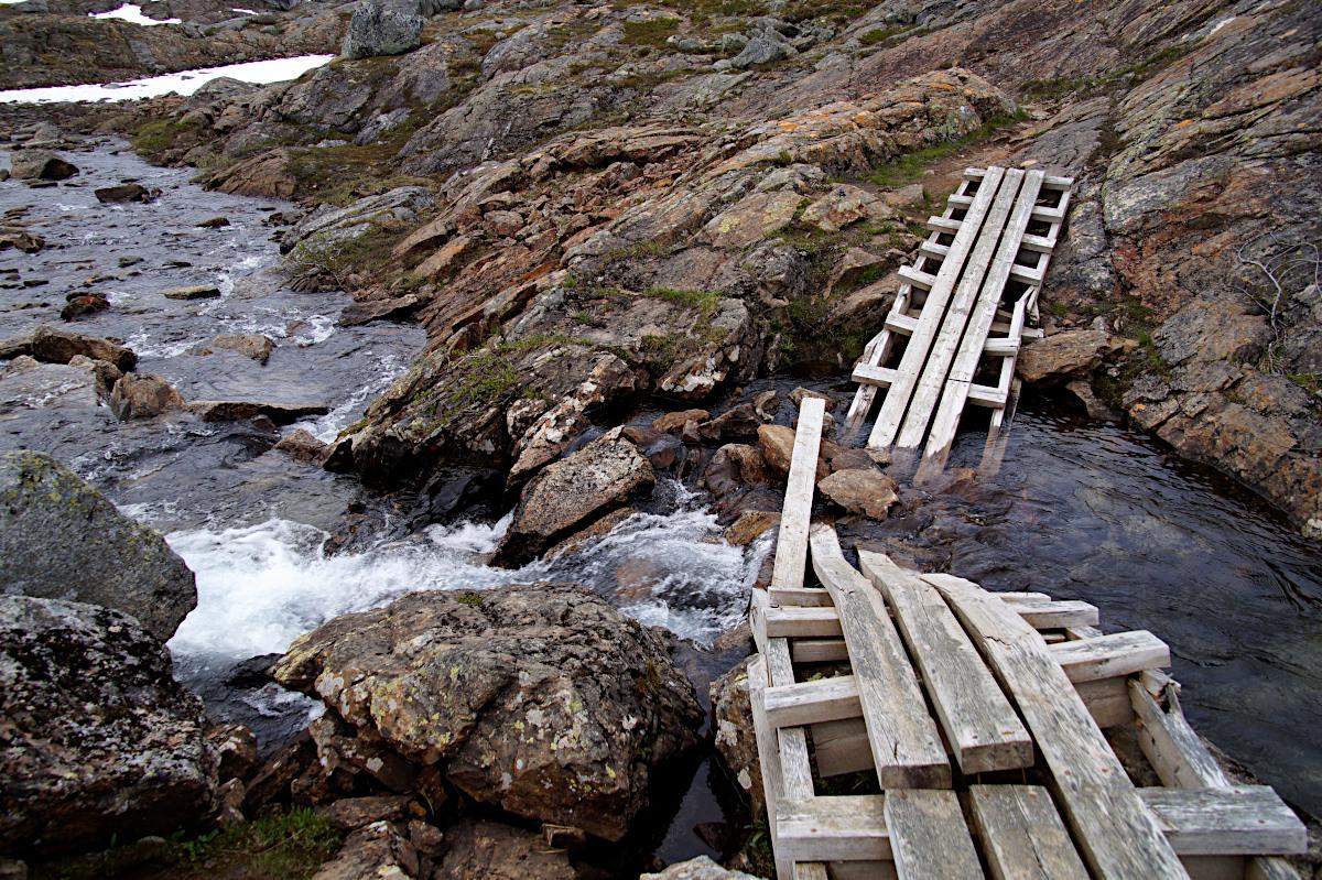 Hiking from Katterjåkk towards Unna Allakas