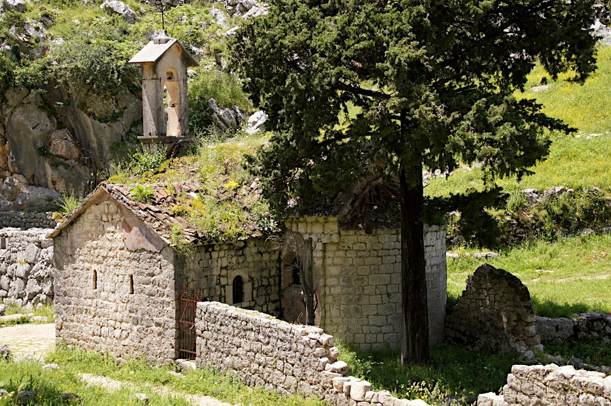 church Saint John, Špiljari