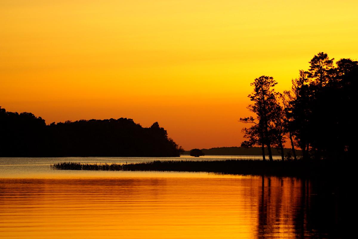 Sundbyholm, sunset over Lake Mälaren